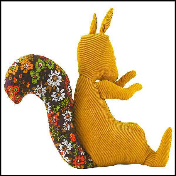 doudou ecureuil velours jaune